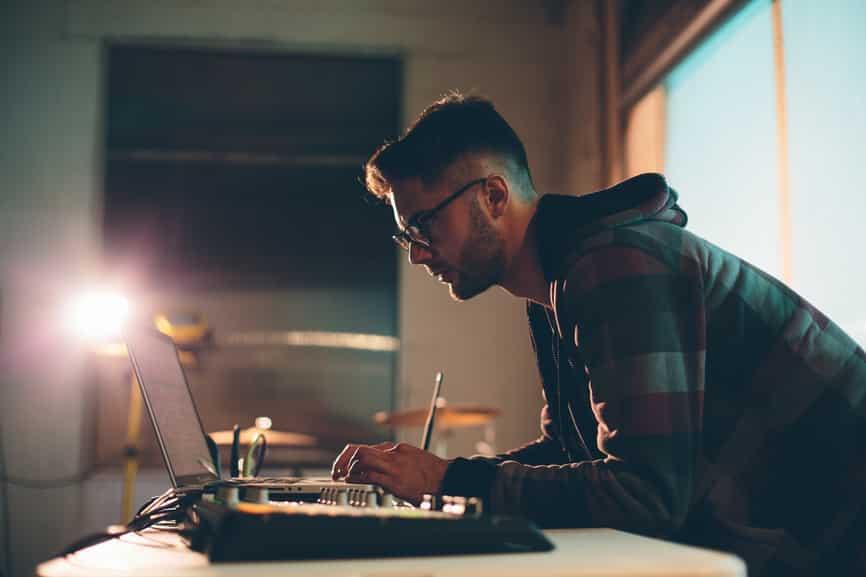 peut-on réussir un bon mastering en home-studio ?